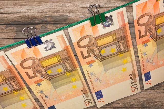 Súkromné osoby poskytujúce pôžičky